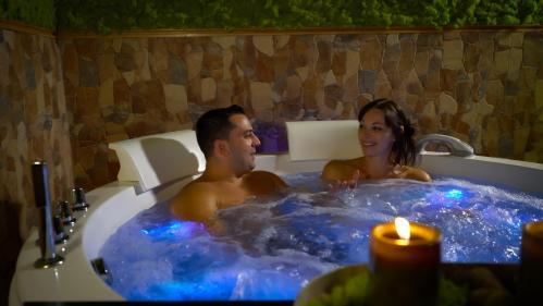 Couples bath spa